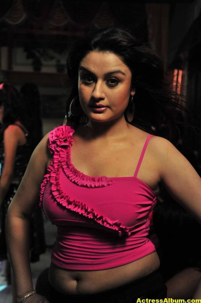 Sonia-Agarwal-Hot-Show-in-Pink-Tight-Dress