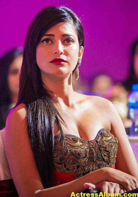 Sruthi Hasan Latest Photos 1