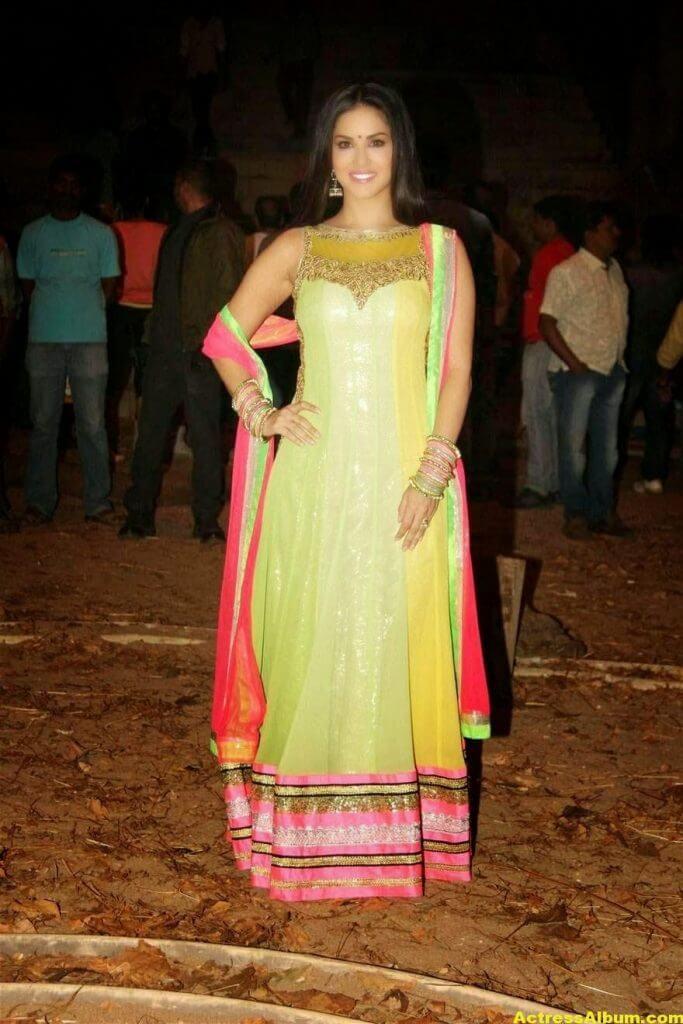 Sunny Leone Latest on Location Stills From Leela Movie 2
