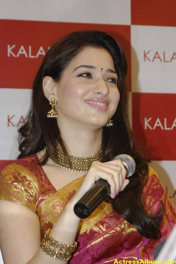 Tamanna At Kalanikethan Launch photos 10