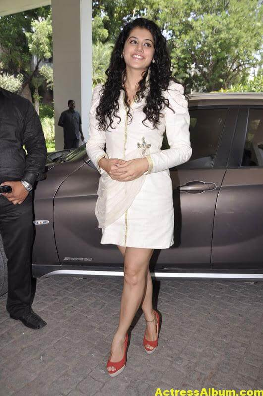 Tapsee Hot Photos 1