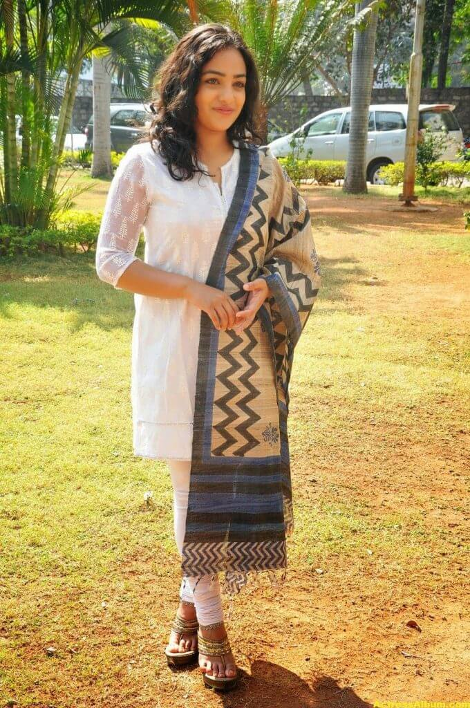 Tollywood Actress Nitya Menon Latest Pics 8