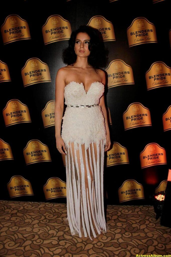 Actress Kangana Ranaut Milky Beauty Pictures 7