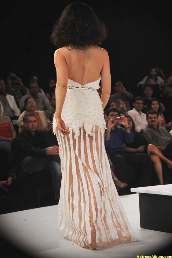 Actress Kangana Ranaut Milky Beauty Pictures 8