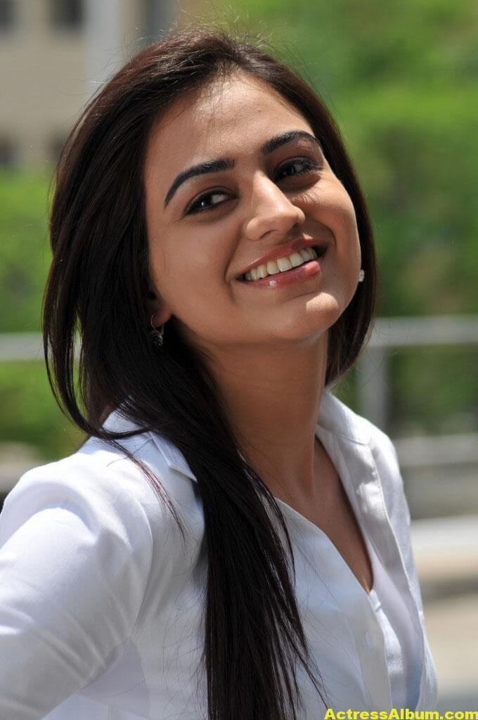 Aksha Latest cute and Spicy Photo 5