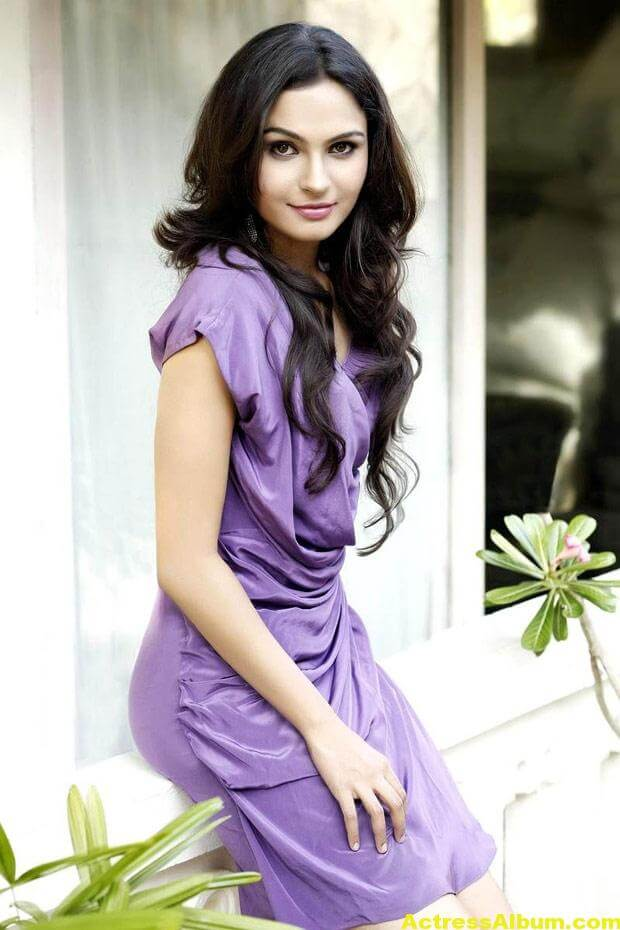 Andrea Jeremiah Latest Cute and Spicy Photos 02