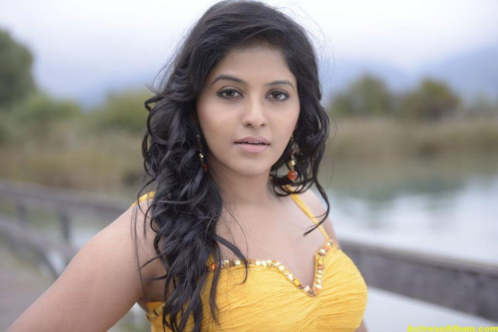 Anjali Latest Hot and Spicy Photo Gallery 10