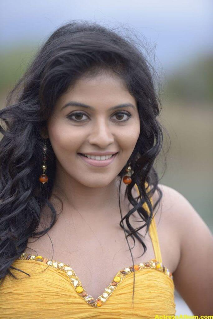 Anjali Latest Hot and Spicy Photo Gallery 4