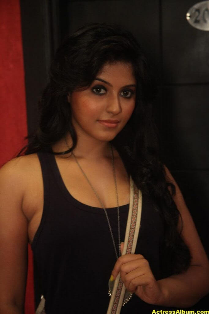 Anjali Latest Hot and Spicy Photo Gallery 5