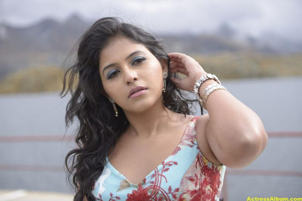 Anjali Latest Hot and Spicy Photo Gallery 7