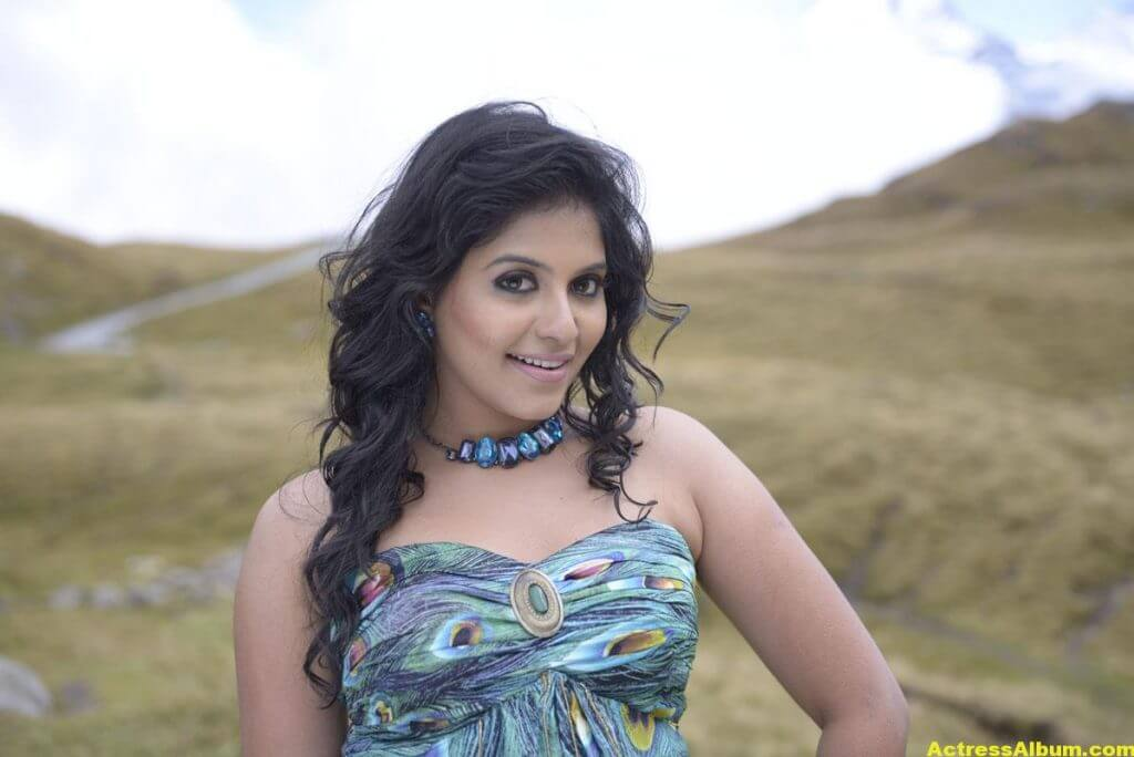 Anjali Latest Hot and Spicy Photo Gallery 9