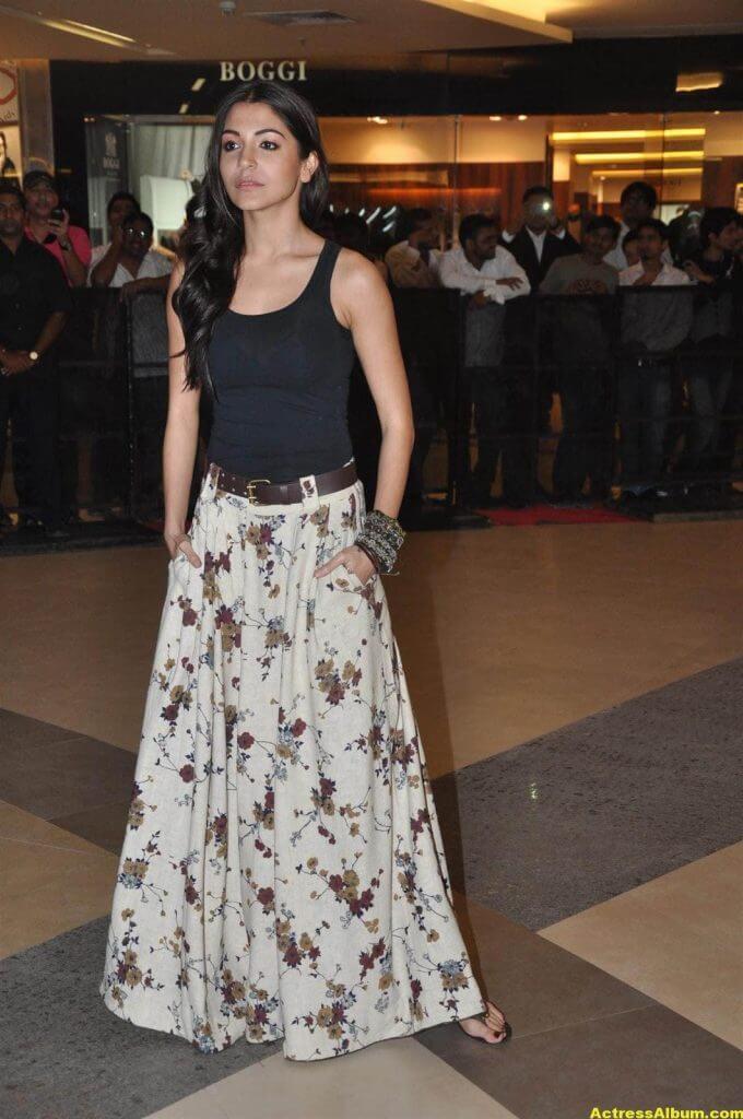 Anushka Sharma Latest Spicy Photo 4