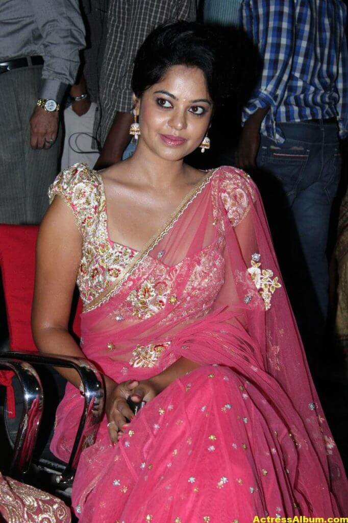Bindu Madhavi Hot in Pink Saree 1