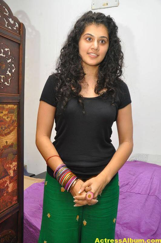 Bollywood Actress Tapsee Hot 1