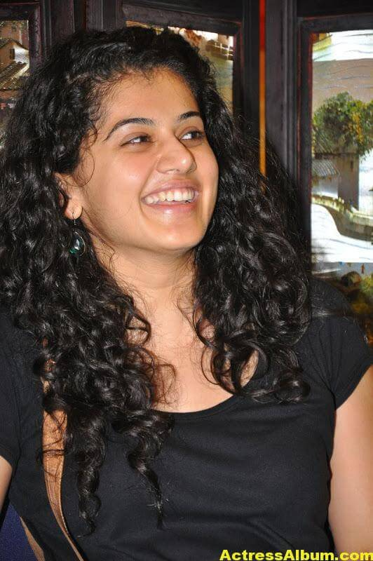 Bollywood Actress Tapsee Hot 10