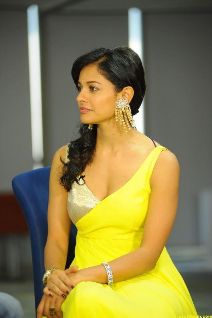 Pooja Kumar Hot Images 7