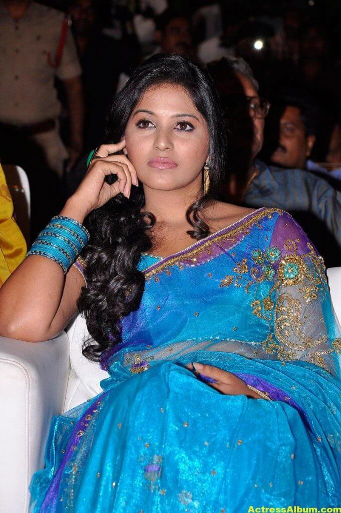 Tamil Actress Anjali Beautiful Photos 2