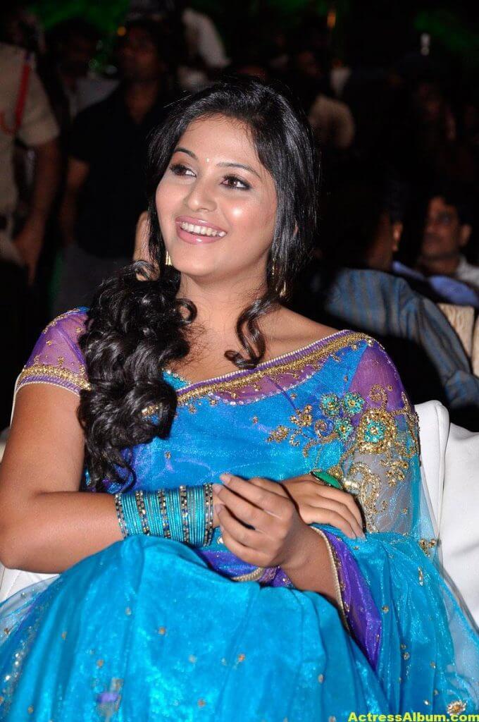 Tamil Actress Anjali Beautiful Photos 3