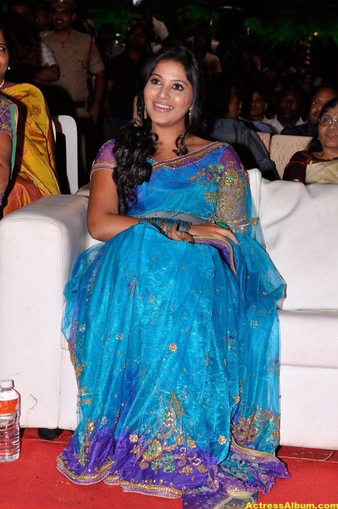 Tamil Actress Anjali Beautiful Photos 4