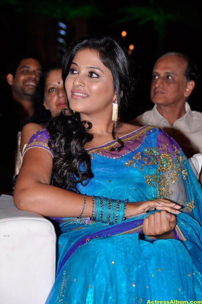 Tamil Actress Anjali Beautiful Photos 5