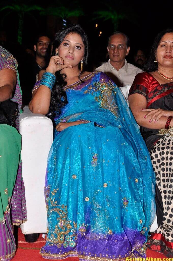Tamil Actress Anjali Beautiful Photos 6