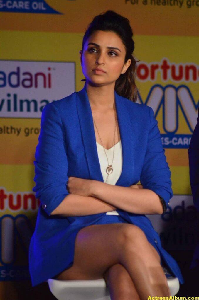 Actress Parineeti Chopra Thigh Show Photos 1