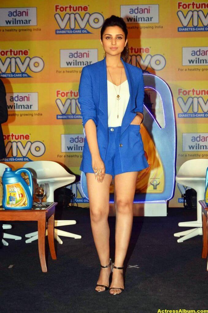 Actress Parineeti Chopra Thigh Show Photos 2