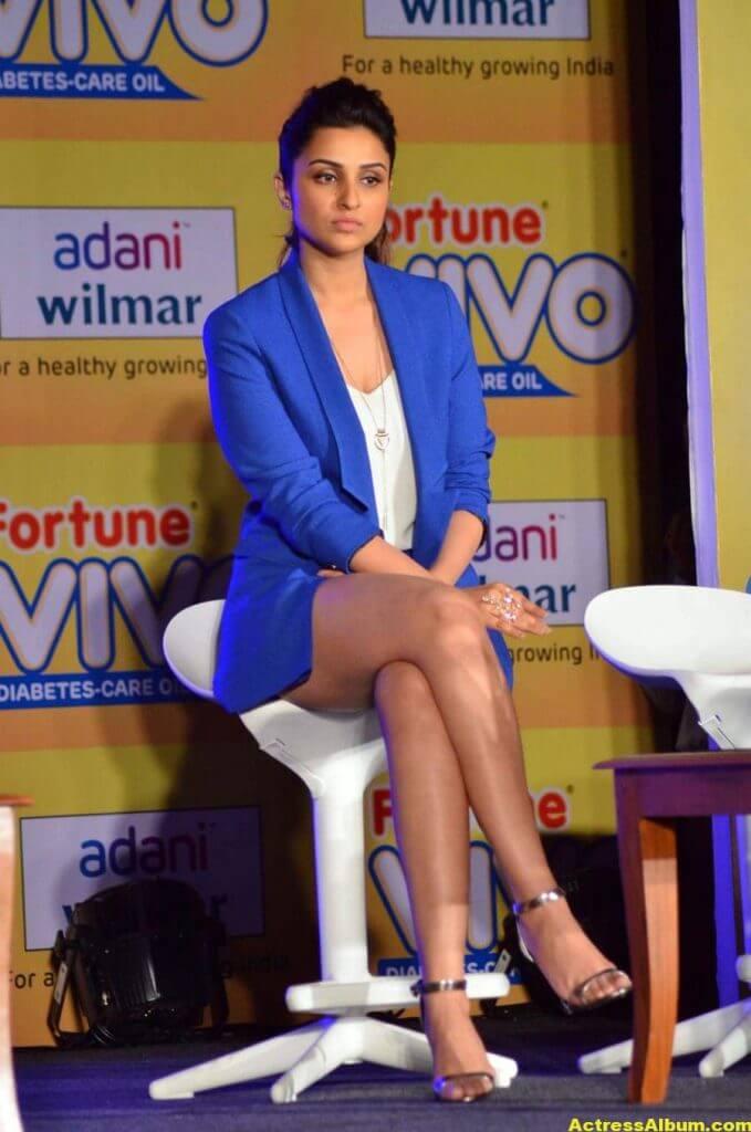Actress Parineeti Chopra Thigh Show Photos 4