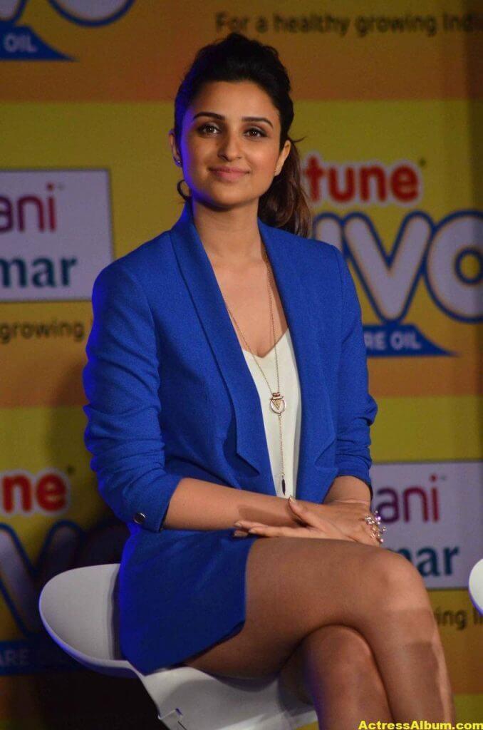 Actress Parineeti Chopra Thigh Show Photos 5