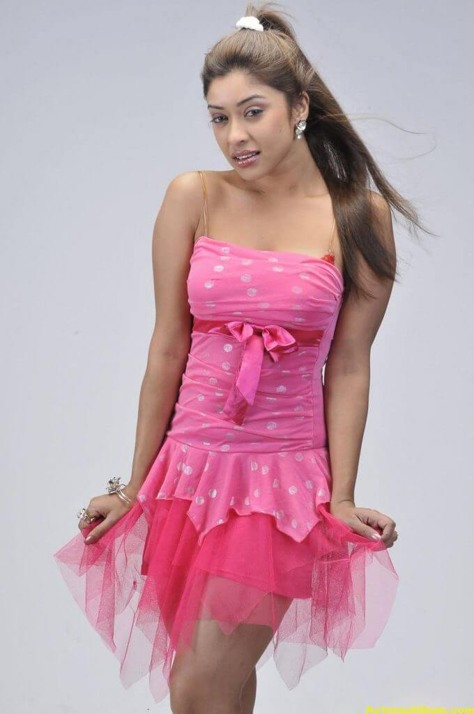 Actress Payal Ghosh Latest Pics in Pink Dress 6