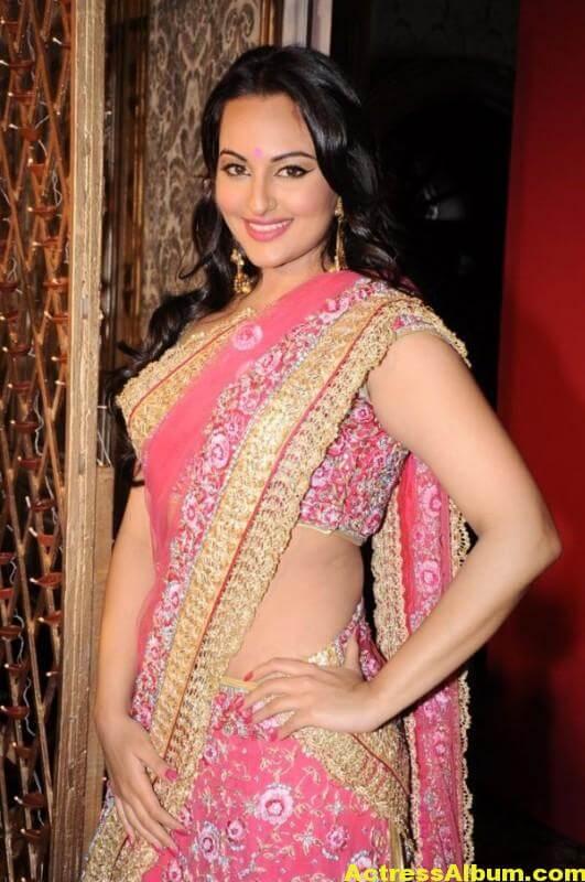 Actress Sonakshi Sinha Latest Pics In Pink Saree 1