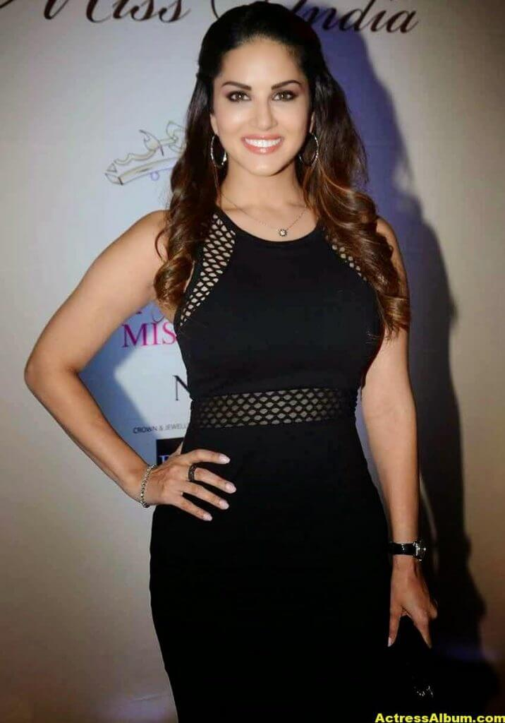 Actress Sunny Leone Hot In Black Dress 4
