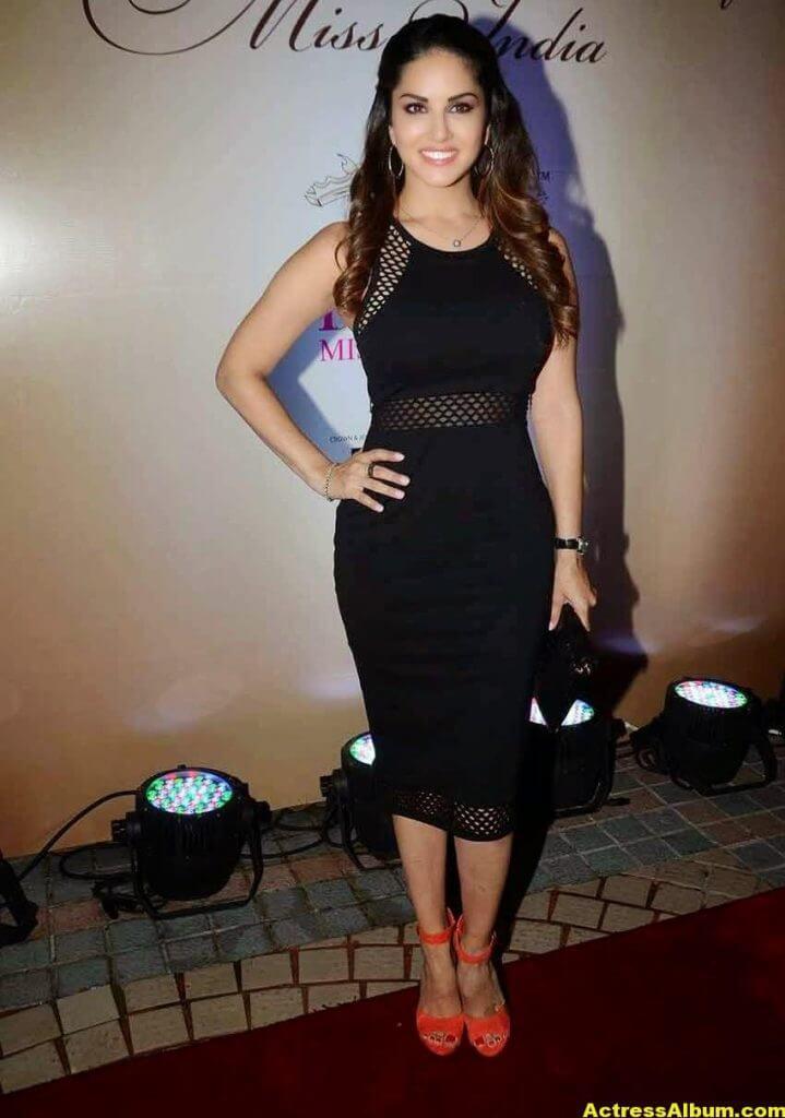 Actress Sunny Leone Hot In Black Dress 6