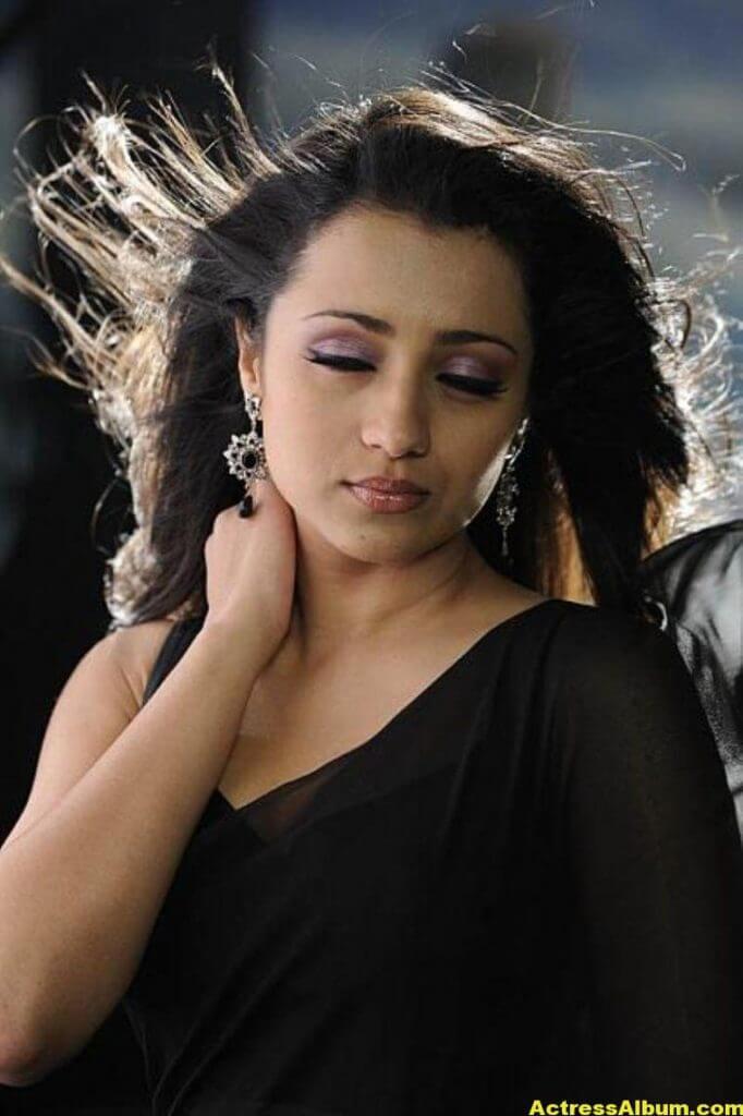 Actress Trisha Latest Hot Stills In Black Saree - Actress -8285