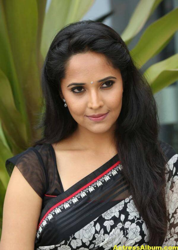 Anchor Anasuya Latest Stills In Hot White Saree 1