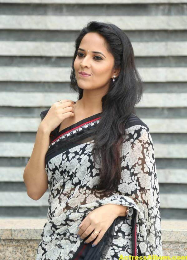 Anchor Anasuya Latest Stills In Hot White Saree 3