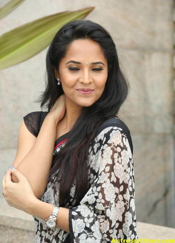 Anchor Anasuya Latest Stills In Hot White Saree 4