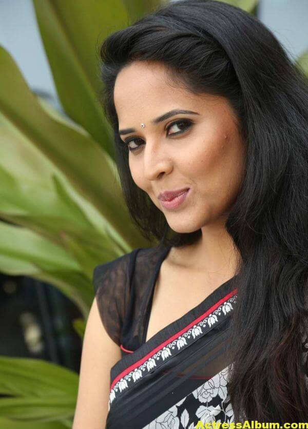 Anchor Anasuya Latest Stills In Hot White Saree 5