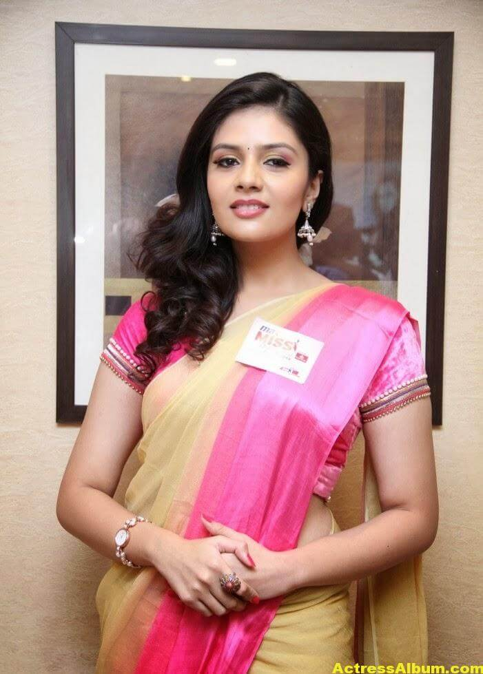 Anchor Sreemukhi Hot Photos 3