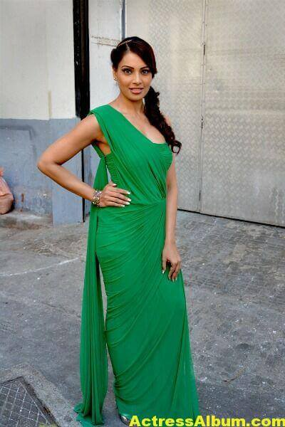 Bipasha Basu Latest Cute Stills In Green Dress 3