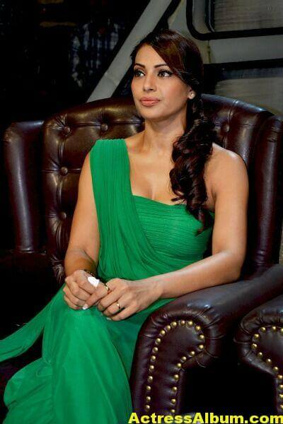 Bipasha Basu Latest Cute Stills In Green Dress 5