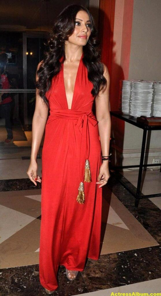 Bipasha Basu Latest Hot Stills In Red Dress 5