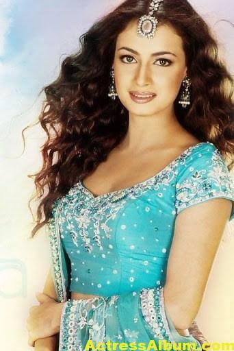 Bollywood Model Dia Mirza Latest Photos 2