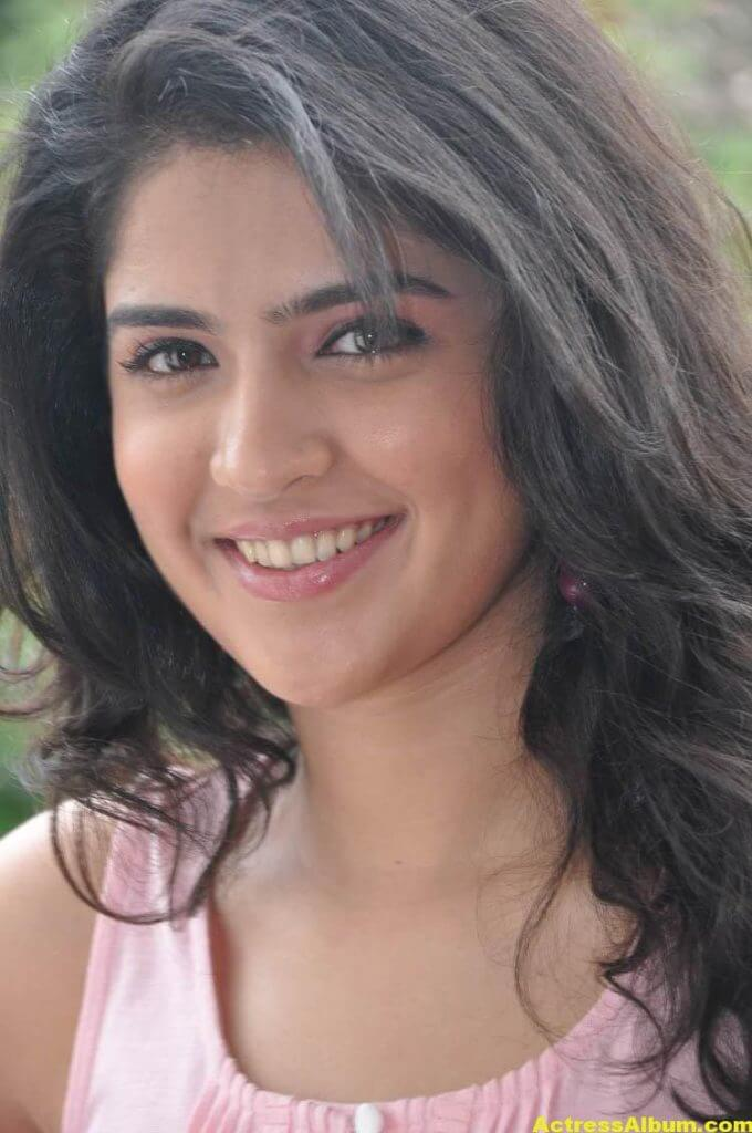 Deeksha Seth Latest Face Close Up Photos 2