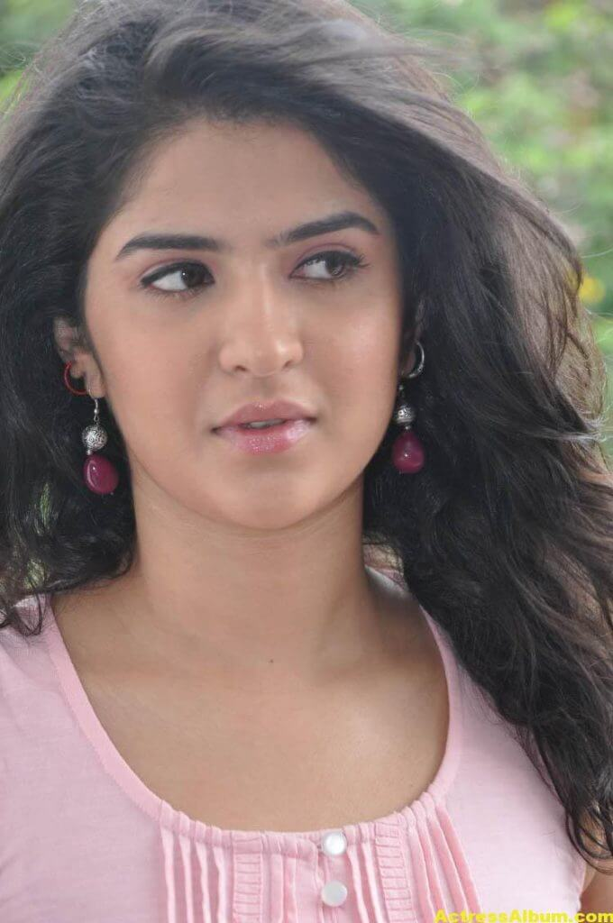 Deeksha Seth Latest Face Close Up Photos 4