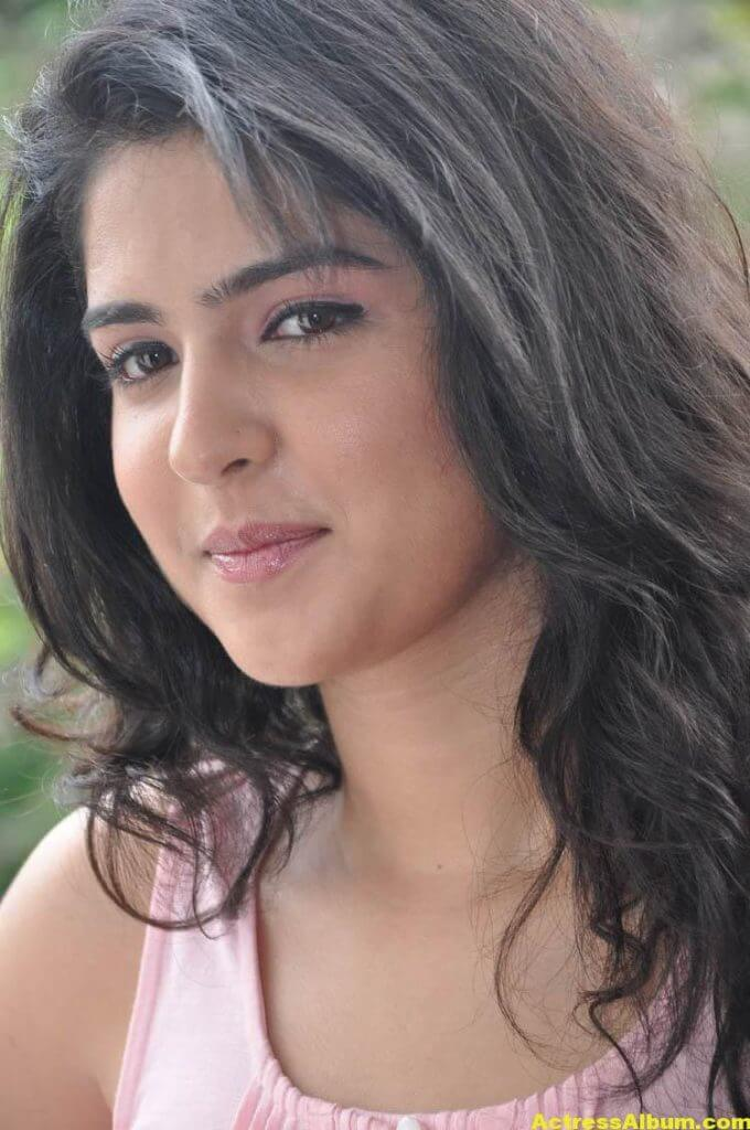 Deeksha Seth Latest Face Close Up Photos 5