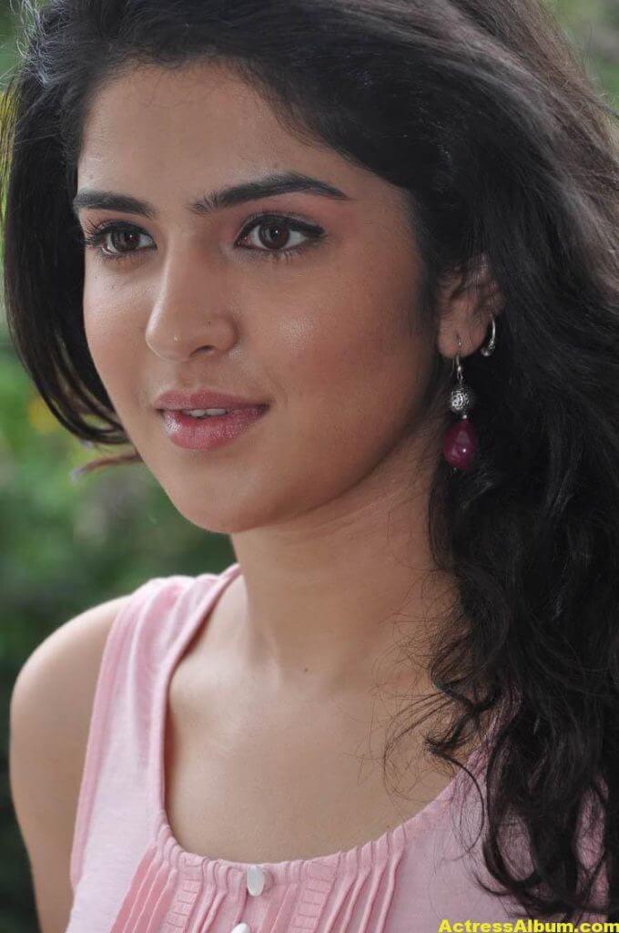 Deeksha Seth Latest Face Close Up Photos 7