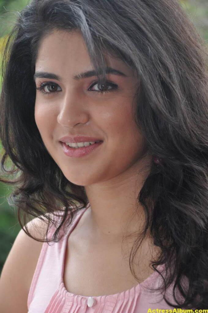 Deeksha Seth Latest Face Close Up Photos 8