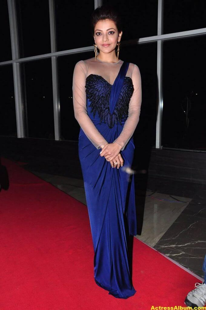 Kajal Agarwal Latest Gorgeous Stills In Blue Saree 1