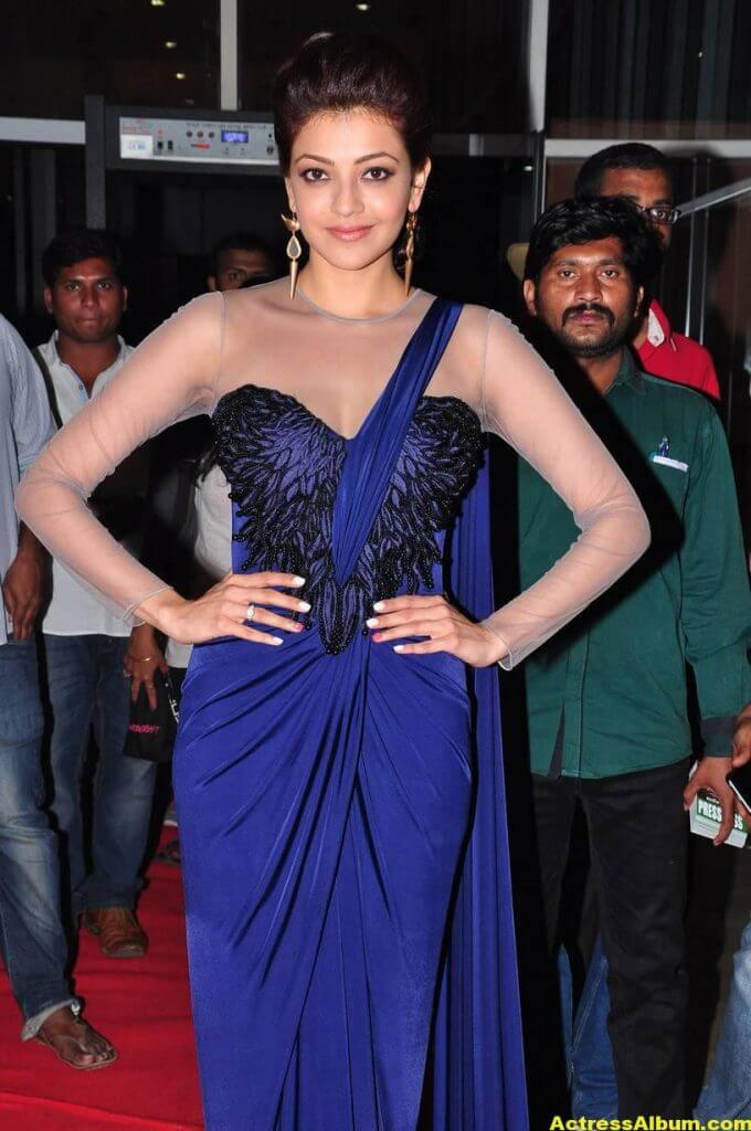 Kajal Agarwal Latest Gorgeous Stills In Blue Saree 3